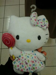 I found this Hello Kitty toy and thought it looked like snsd's song 'Kissing You.' It has the rainbow poka dots and the lollipop. lol <3
