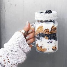 Find images and videos about food, nails and yummy on We Heart It - the app to get lost in what you love. I Love Food, Good Food, Yummy Food, Tasty, Tumblr Food, Healthy Food Tumblr, Food Goals, Aesthetic Food, Smoothie Bowl