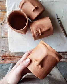 If you had to choose one object to describe your personality what would it be? Diy Clay, Clay Crafts, Diy And Crafts, Arts And Crafts, Pottery Mugs, Ceramic Pottery, Pottery Art, Ceramic Mugs, Ceramic Art