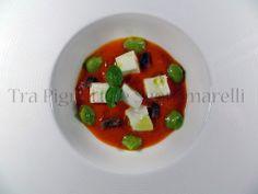 """Mozzarella di bufala """"ajo, oio e peperoncino"""", con acciughe, crema di peperoni e crema di zucchine romanesche"""