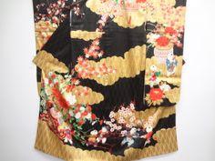 アンティーク 綸子手描き唐子に花車模様刺繍一つ紋振袖(重ね衿付き) long-sleeved kimono