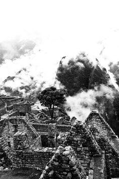 Machu Picchu, Perú, Foto de Cris Latorre  #LPTraveller #postalesLP #machupicchu #peru