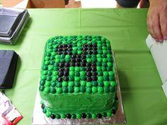An Indiana Mom!: A Minecraft Birthday Party! Diy Minecraft Birthday Party, Minecraft Party Decorations, Easy Minecraft Cake, 6th Birthday Parties, 8th Birthday, Birthday Ideas, Homemade Birthday Cakes, Cupcake Cakes, Creeper Cake