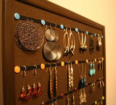 Earring organization