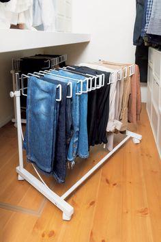 Muji Storage, Closet Storage, Storage Spaces, Wardrobe Organisation, Home Organization, Organizing Ideas, Wardrobe Closet, Walk In Closet, Muji Home