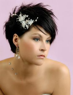 Elegance Beauty Short Wedding Hairstyle with Chic Headpiece by Slodive  Wedding Short hair Ideas. Short a350d3d7536
