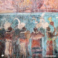 Bonampak. Chiapas, México Ubicado en la Selva Lacandona sorprende a sus visitante con sus impresionantes murales con escenas de celebraciones por victorias en combates, escenas de guerra y escenas de sacrificios.
