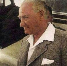 Atatürk Dünya'daki en yakışıklı Lider Yasemin Aksu