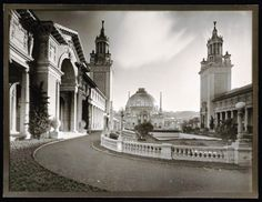 """""""The Court of Palms"""" -   Willard E. Worden photographer, Panama-Pacific International Exposition, PPIE, 1915, San Francisco, Calif. -- Jerry Bianchini Collection"""