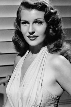 Rita Hayworth in Gilda wearing Joseff of Hollywood belt and bracelet. Hollywood Icons, Golden Age Of Hollywood, Vintage Hollywood, Hollywood Glamour, Hollywood Stars, Hollywood Actresses, Classic Hollywood, Actors & Actresses, Hollywood Divas