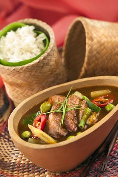 Review: Neung Roi, the new Thai restaurant at Radisson Blu Plaza Delhi, has shown exemplary culinary & hospitality skills! http://www.luxuryfacts.com/index.php/sections/article/3778