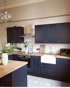 Perfect Navy Kitchen Cabinets For Decorating Your Kitchen. Below are the Navy Kitchen Cabinets For Decorating Your Kitchen. This article about Navy Kitchen Cabinets For Decorating Your Kitchen Home Decor Kitchen, Home Kitchens, Kitchen Dining, Kitchen Counters, Navy Blue Kitchen Cabinets, Kitchen Sinks, Small Kitchen Diner, Navy Cabinets, 10x10 Kitchen