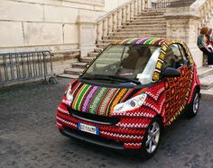 Crocheted Smart Car in Rome