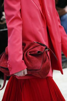 Valentino, Automne/Hiver 2018, Paris, Womenswear Valentino, Red Leather, Leather Jacket, Best Purses, Purses And Handbags, Paris, My Style, Jackets, Fashion