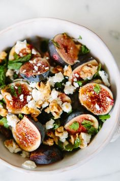 fig mint goat cheese salad via A House in the Hills I've got plenty of figs in the garden, so time to enjoy them Fig Recipes, Cooking Recipes, Salad Recipes Healthy Lunch, Clean Eating, Healthy Eating, Healthy Life, Healthy Food, Goat Cheese Salad, Cheese Fruit