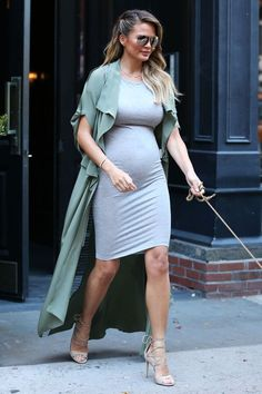 Chrissy Teigen had 18 maternity styles - outfits - # would have . - Chrissy Teigen had 18 maternity styles – outfits – have - Cute Maternity Outfits, Stylish Maternity, Maternity Wear, Maternity Dresses, Maternity Fashion, Pregnancy Fashion Dresses, Maternity Looks, Maternity Jacket, Maternity Styles