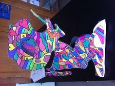 dessin sur carton transformé en sculpture apres avoir etudié niki de st phalle