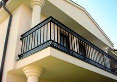 Steel Railing Design, Staircase Railing Design, Iron Stair Railing, Home Stairs Design, Deck Railings, Stair Design, Wrought Iron Railings, Home Window Grill Design, Balcony Grill Design