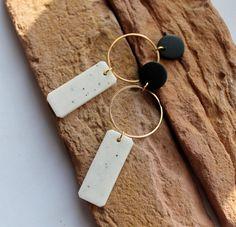 Diy Clay Earrings, Polymer Clay Earrings, Earrings Handmade, Dangle Earrings, Handmade Jewelry, Diy Earrings Easy, Polymer Clay Crafts, White Earrings, Resin Jewelry
