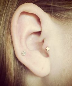 Tiny gold star ear piercing for the cartilage, upper ear, lobes, tragus or helix. The star is a tiny 4mm. Post is internally threaded, 16 gauge and