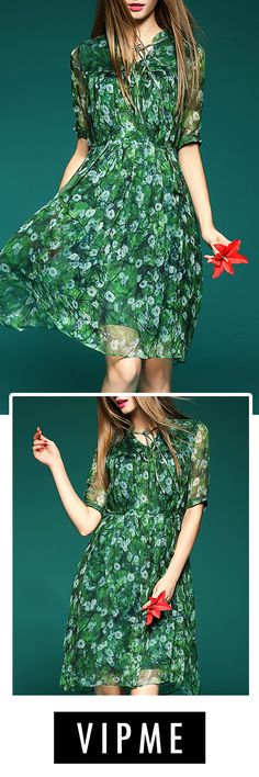 Cute Green Silk Dress Could Be Your Best Option in the Wardrobe. Fancy Design and Lovely Pattern is Your Choice for the Summer.