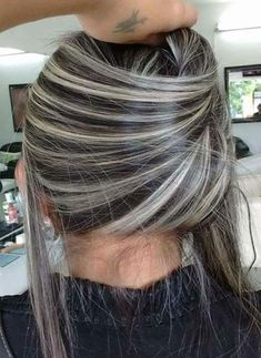 Hair balayage cenizo highlights 16 Ideas for 2019 Gray Hair Highlights, Platinum Highlights, Chunky Highlights, Hair Color And Cut, Pretty Hairstyles, Messy Hairstyles, Balayage Hair, Hair Looks, Hair Inspiration