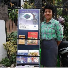 Public witnessing in metropolitan areas in Medan Indonesia.  #jw_pioneers   Shared by @angelina_tarigan by jw_pioneers