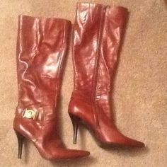 REDUCED! BANDOLINO BROWN PATENT LEATHER BOOTS sz 7 LIKE NEW, worn just twice, Bandolino sz 7, tall brown patent leather full zip boots. Harness on outer heel with gorgeous gold hardware.  LOOK LIKE MICHAEL KORS!  Will ship right away bandolino Shoes