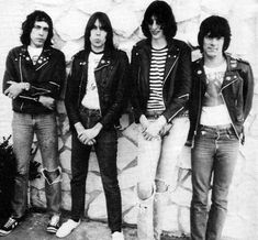 marky, johnny, joey und dee dee Joey Ramone, Ramones, Hey Ho Lets Go, Pet Sematary, Dee Dee, Psychobilly, Punk Rock, Cool Bands, Rock N Roll