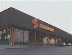 Steinberg at Domaine Shopping Center, Montreal, in the Storefront dates from 1976 in this picture. Shopping Center, Store Fronts, Montreal, Childhood Memories, Dates, Mall, Shops, Canada, Outdoor Decor