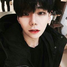 Korean Boys Ulzzang, Cute Korean Boys, Ulzzang Couple, Ulzzang Boy, Korean Men, Asian Boys, Asian Men, Korean Girl, Asian Girl