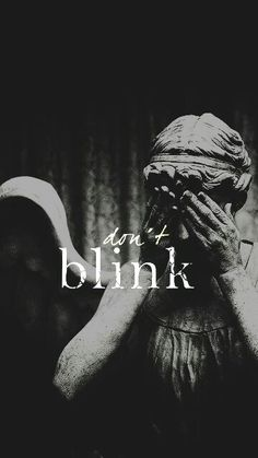 Doctor Who Don't Blink Weeping Angel David Tennant, Doctor Who Wallpaper, Tardis Wallpaper, Angel Wallpaper, Serie Doctor, Mazzy Star, Movies And Series, Tv Series, Whatsapp Wallpaper