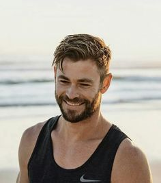 Image haircuts for men, tom hiddleston, hemsworth brothers, australian actors, chris hemsworth Mens Hairstyles With Beard, Cool Hairstyles For Men, Hair And Beard Styles, Hairstyles Haircuts, Short Hair Styles Men, Layered Hairstyles, Man Short Hairstyle, Mens Hairstyles Medium Undercut, Beards And Hair