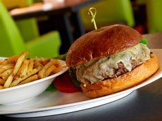 cheese burger Cheese Burger, Hamburger, Steak, Miami, Ethnic Recipes, Food, Essen, Steaks, Burgers