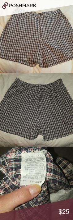 Lee Casuals Womens Plaid Shorts size 14Med Casual or casual dressy shorts, excellent condition, new  Washed once, but never worn Lee Shorts