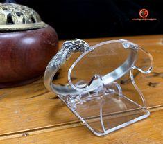 bracelet dragon, argent 950 et corne en cuivre. Entièrement fait artisanalement Feng Shui Jewellery, Dragon Bracelet, Cuff Bracelets, Two By Two, Etsy, Silver, Jewelry, Copper, Jewlery