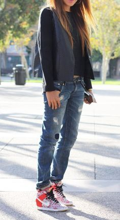 Super How To Wear Boyfriend Jeans With Flats Sincerely Jules Ideas Tomboy Fashion, Cute Fashion, Look Fashion, Winter Fashion, Womens Fashion, Fashion Trends, Nike Outfits, Casual Outfits, Boyfriend Jeans