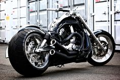 Bikes 300 Dream VRSCAW WIDE