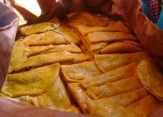 También se les conoce como tacos sudados,de canasta, al vapor y son típicos de la ciudad de México, en cuyo Distrito, debido a l...