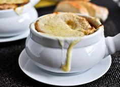 French Onion Soup Recipes That Make Us Actually Excited For Winter. French Onion Soup recipes, anyway you like it! Best Slow Cooker, Crock Pot Slow Cooker, Crock Pot Cooking, Slow Cooker Recipes, Crockpot Recipes, Soup Recipes, Cooking Recipes, Slower Cooker, Roast Recipes
