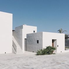 Minimalist Architecture for beginners Minimal Architecture, Mediterranean Architecture, Mediterranean Homes, Interior Architecture, Architectural Digest, Ibiza, Future House, My House, Casa Cook