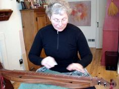 Traditional mountain dulcimer BEGINNER#8 RE-TUNING to 4 modes - YouTube