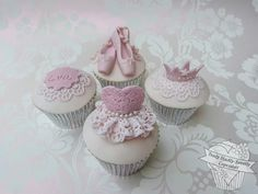 Cupcakes for dancers ! two of my loves combined :) Ballerina Cupcakes, Kid Cupcakes, Princess Cupcakes, Themed Cupcakes, Yummy Cupcakes, Wedding Cupcakes, Cupcake Cookies, Beautiful Cupcakes, Gorgeous Cakes