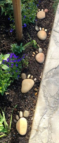 30 Creative Decorative Landscape Curbing Ideas Foot steps on the garden! Great way to curb up the garden landscape The post 30 Creative Decorative Landscape Curbing Ideas appeared first on Garden Easy. Garden Yard Ideas, Diy Garden, Garden Crafts, Spring Garden, Garden Projects, Garden Pots, Backyard Ideas, Winter Garden, Garden Stones