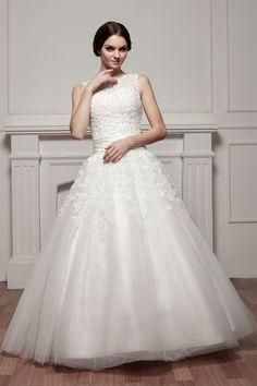 Ball Gown Tulle Jewel Neck Beaded Applique Beading Floor-Length Wedding Dress