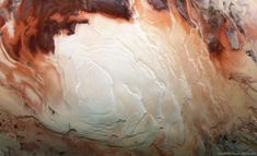 """Cappuccino swirls at Mars' south pole. (What Mars looks like when its not busy being the """"Red Planet""""). Photo by Bill Dumsford [OS] Ground Penetrating Radar, Polo Sul, Water On Mars, What Is Thinking, Astronomy Pictures, Red Planet, Space Photos, Space Images, Earth From Space"""