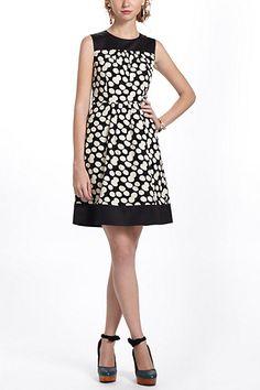 Notched Dots Cord Dress #anthropologie (o top atrás é igual a frente mas é preto, com ziper)