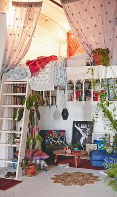 66 super Ideas home bohemian bedroom loft Small Room Bedroom, Bedroom Loft, Trendy Bedroom, Cozy Bedroom, Bedroom Colors, Home Decor Bedroom, Girls Bedroom, Dorm Room, Bohemian Bedrooms
