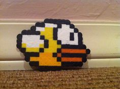 Flappy Bird Perler Beads design. Pattern design/photo courtesy of Sophia S.