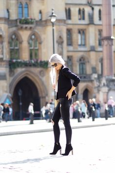 Style inspiration from @inthefrow . In the picture Celine #sunglasses http://www.smartbuyglasses.com/designer-sunglasses/Celine/Celine-CL-41805/S-New-Audrey-807/HA-166030.html?utm_source=pinterest&utm_medium=social&utm_campaign=PT post